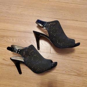 Ann Klein heals.  Size 8.5.  Black